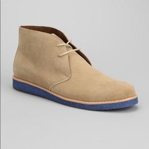 URBAN OUTFITTERS CREPE BLUE SOLE CHUKKA BOOTS